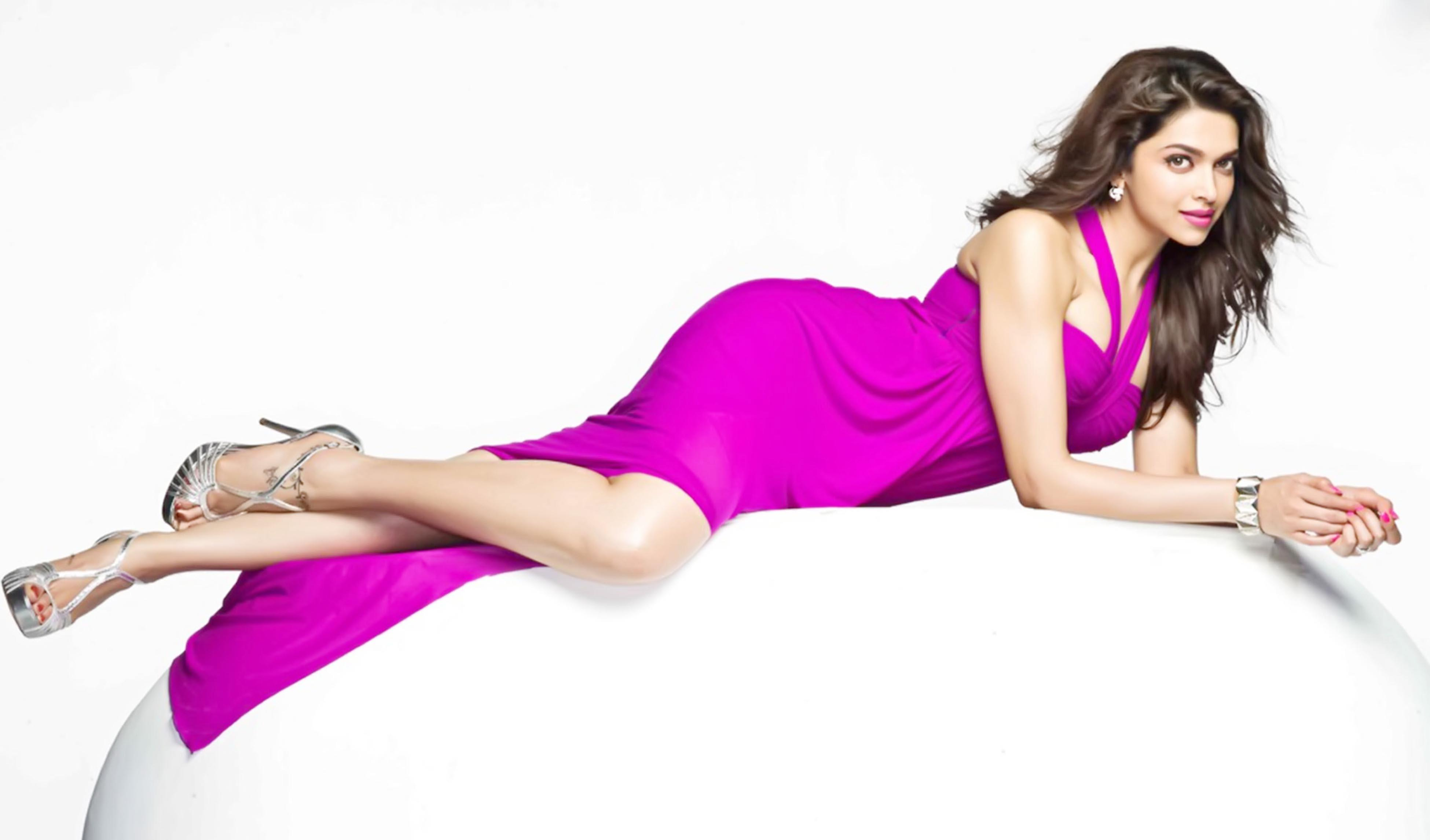 Deepika Padukone Hot  Sexy Images  Wallpapers  Movieraja Collection Of Movie -3888